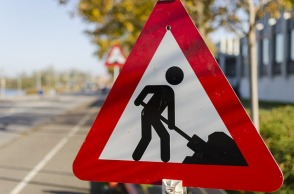 road-work-1148205_640